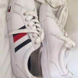 Tommy Hilfiger low shoe